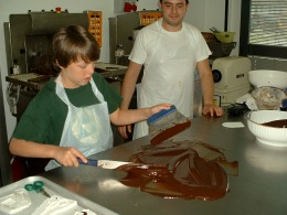 Tempering fresh chocolate