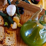 Fragrant green olive oil