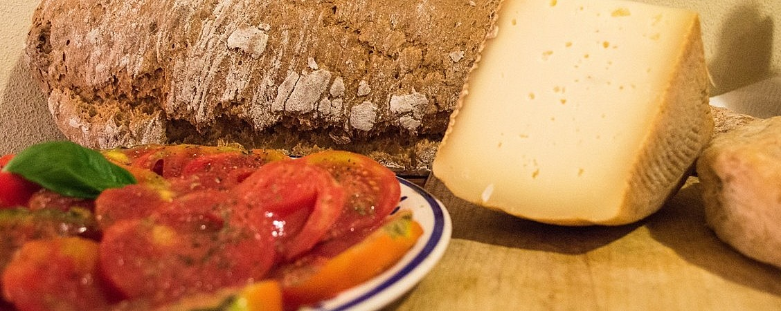 Cheese, tomatoes and bread