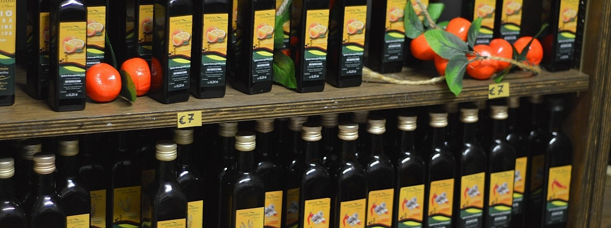 Olive oil with orange scent
