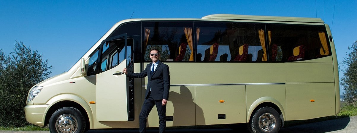 Minibus with driver in Tuscany