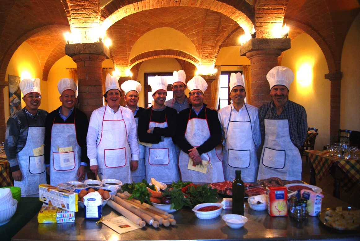Group picture before the cooking class