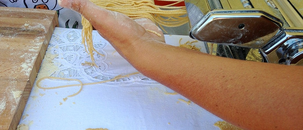 Pasta making with a machine