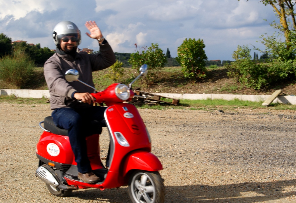 Your Tuscan vespa tour guide