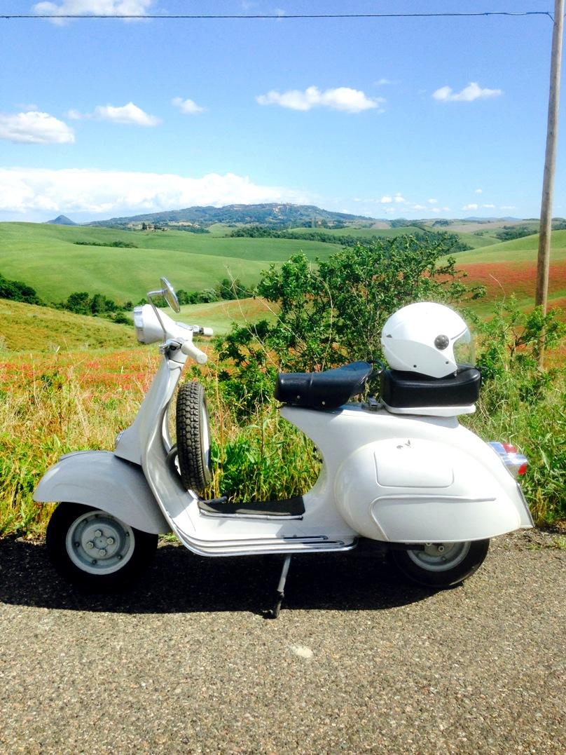 Vintage vespas in Tuscany