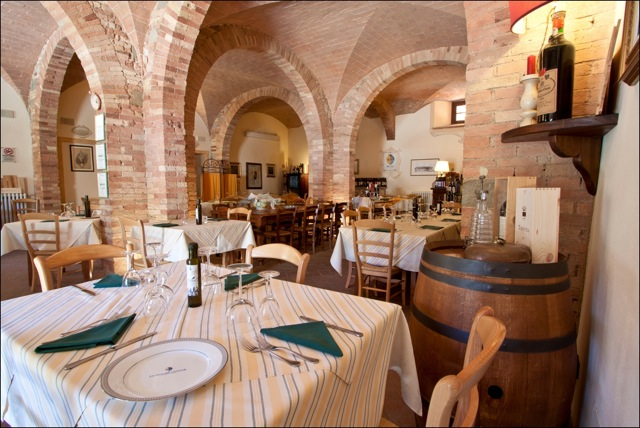 Specialty restaurant and hotel in central Tuscany
