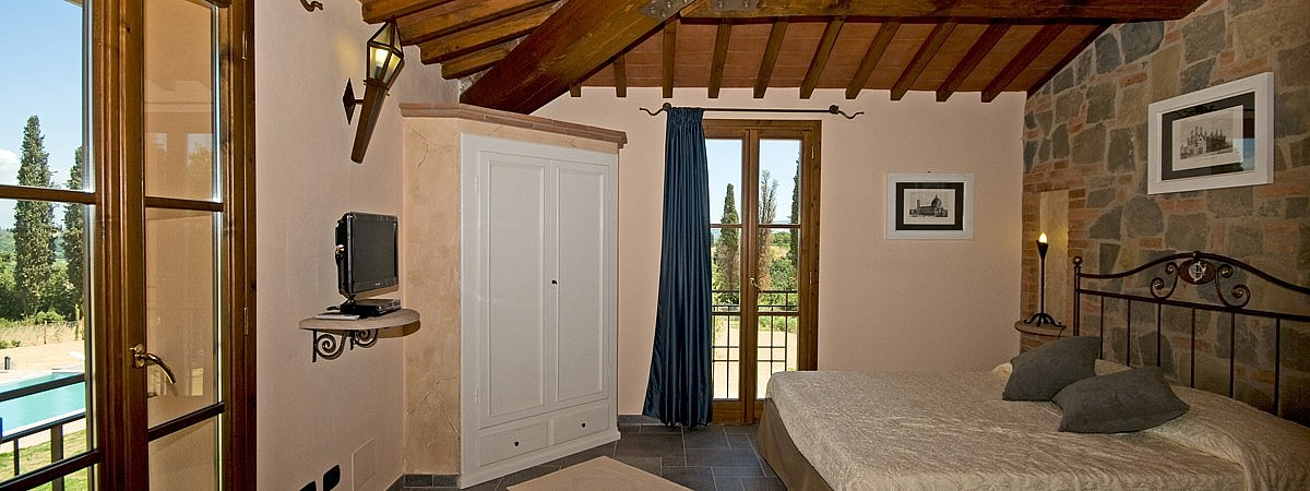 Country cottage with 4 bedrooms in Tuscany