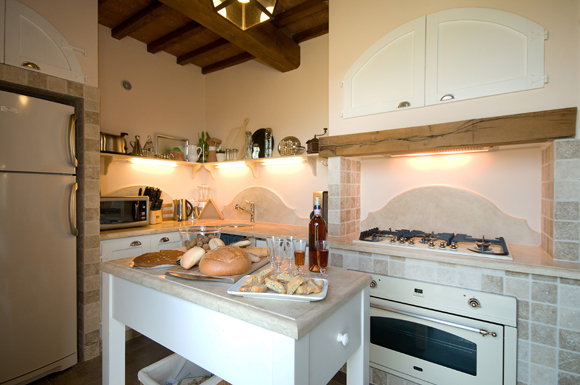 Fully equipped kitchen in your Tuscan villa