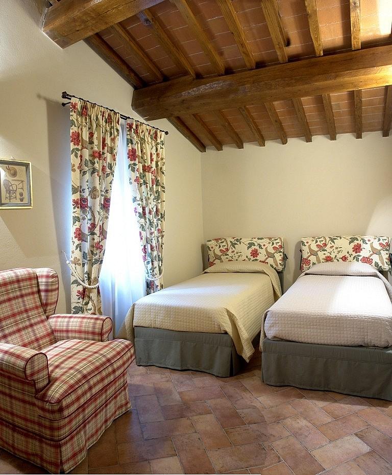 Cosy bedroom in agriturismo in Volterra, near Pisa