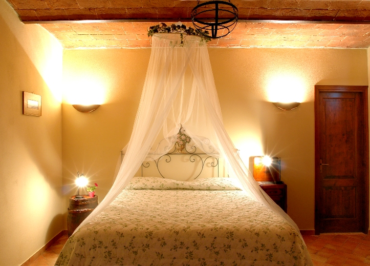 Elegance and rustic style in an authentic Tuscan agriturismo