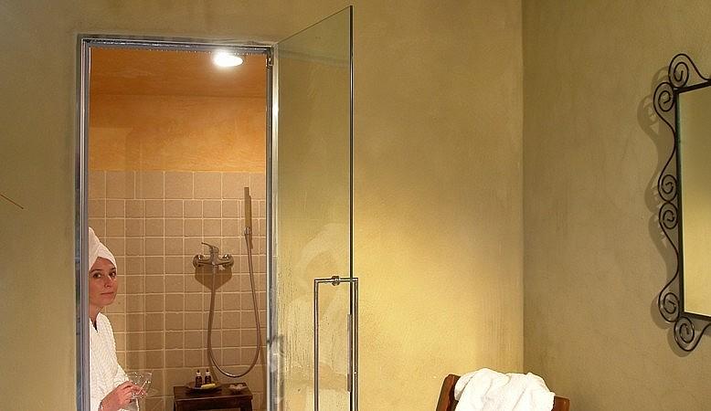 Turkish bath in Tuscan agriturismo in Volterra