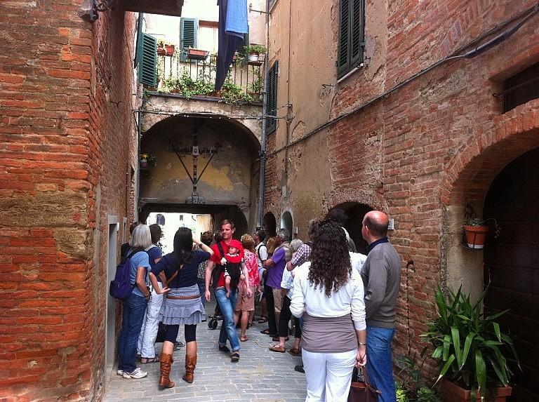 A stop at a symbolic place in Peccioli