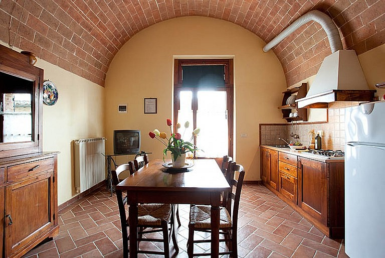 Apartments in old Tuscan farmhouse