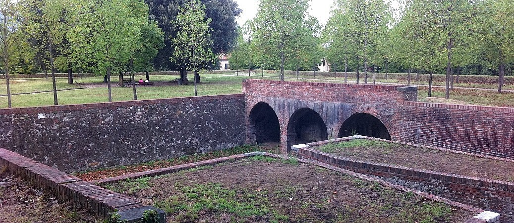 The gigantic fortifications around Lucca