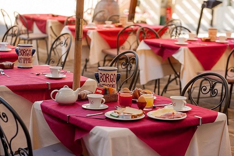 Breakfast in the internal courtyard