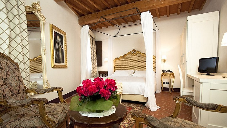 Suites in boutique hotel with spa in Tuscany