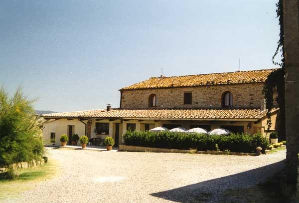 Agriturismo in a Tuscan farmhouse near Volterra