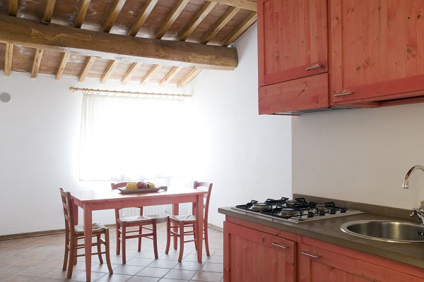 Apartments with fully equipped kitchen for families in Volterra