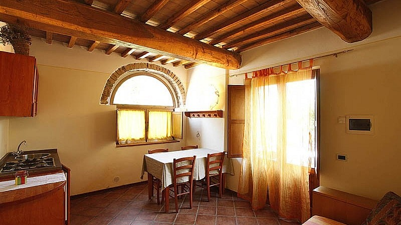 Unit for family stays in central Tuscany