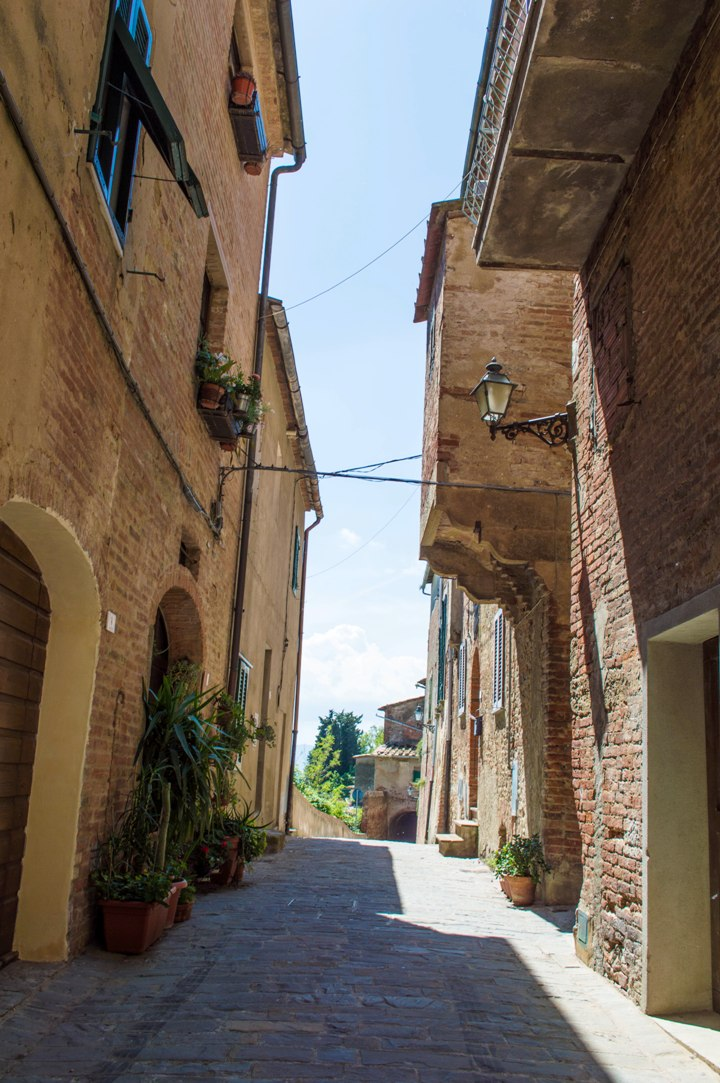 Narrow lane in the Tuscan village of Peccioli
