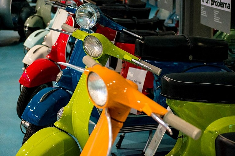 Guided tours to the vespa museum near Pisa