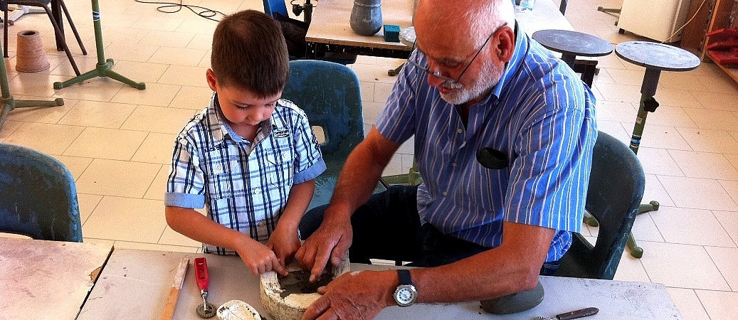 Pottery classes for children in Tuscany