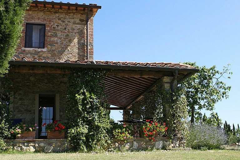 Cottages with veranda in Tuscany