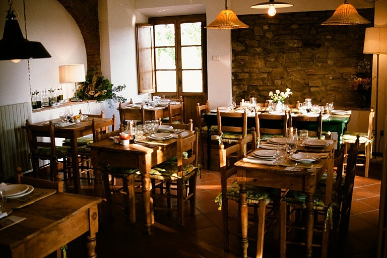 Agriturismo with restaurant near Florence