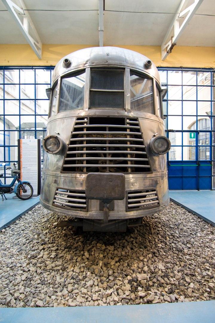 A train in the vespa museum in Pontedera