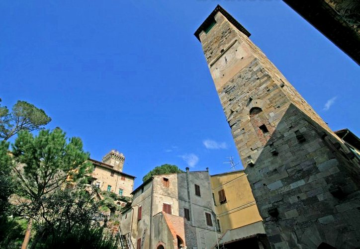 Medieval high towers in Vicopisano