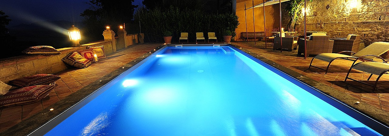 Panoramic pool in Tuscan villa near Lajatico