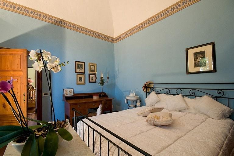 Double bedroom in a villa for 10 people near Pisa