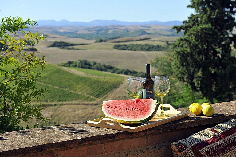 Spectacular view from the patio of your Tuscan villa