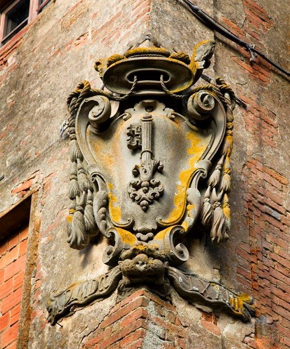 The coats of arms of Villasaletta