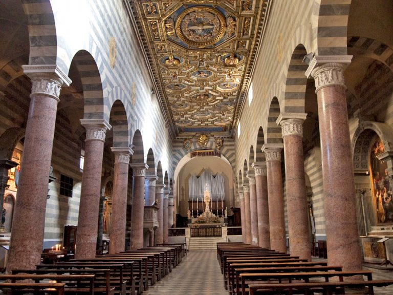 Central nave of the cathedral of Volterra