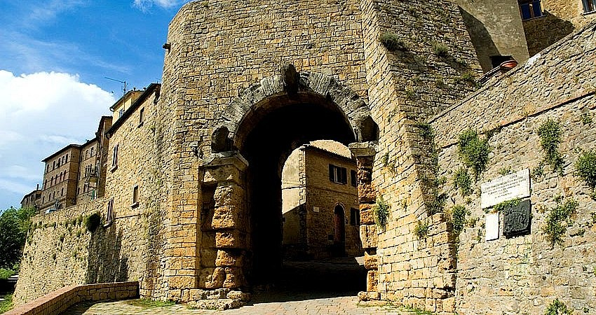 The Etruscan gate Porta all'Arco