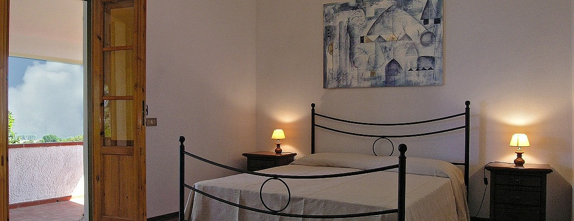 Double bedroom with private balcony in Tuscany