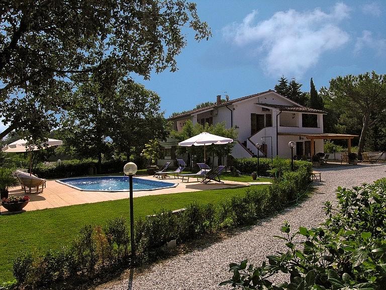 Minivilla with private garden and pool near Casciana Terme