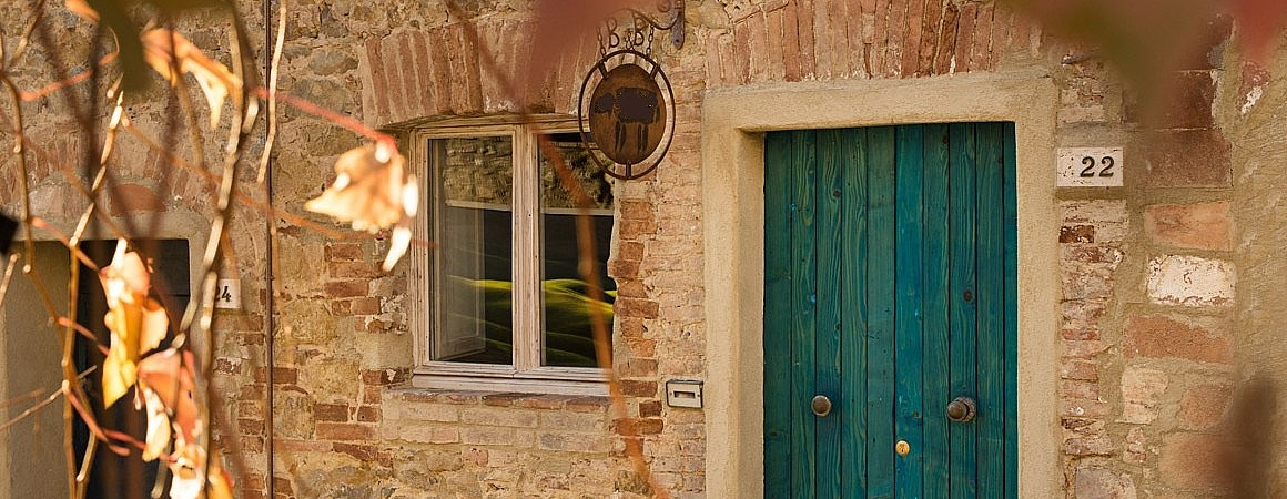 Romantic B&B with suites and jacuzzi in Tuscany