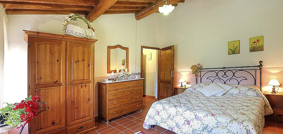 Romantic bedroom for honeymoon in Tuscany