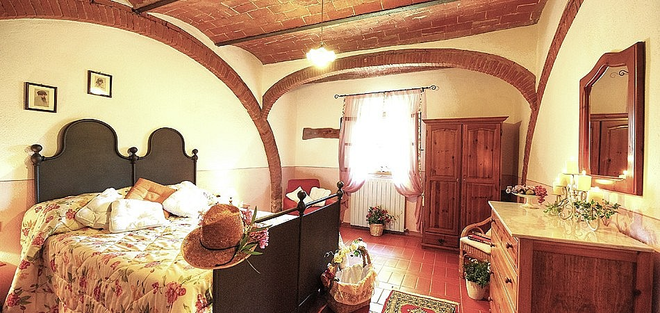 Very authentic Tuscan furniture in agriturismo