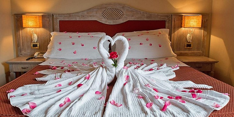 Double bedrooms in boutique hotel by the coast