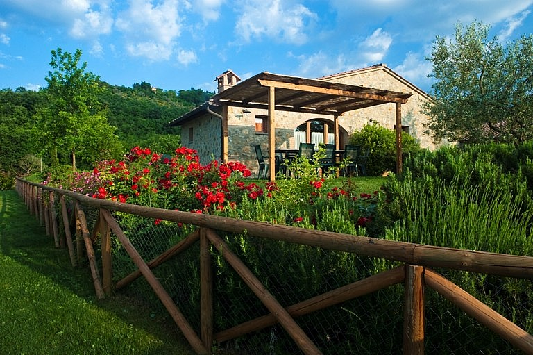 Small cottages with private gazebo and outdoor furniture
