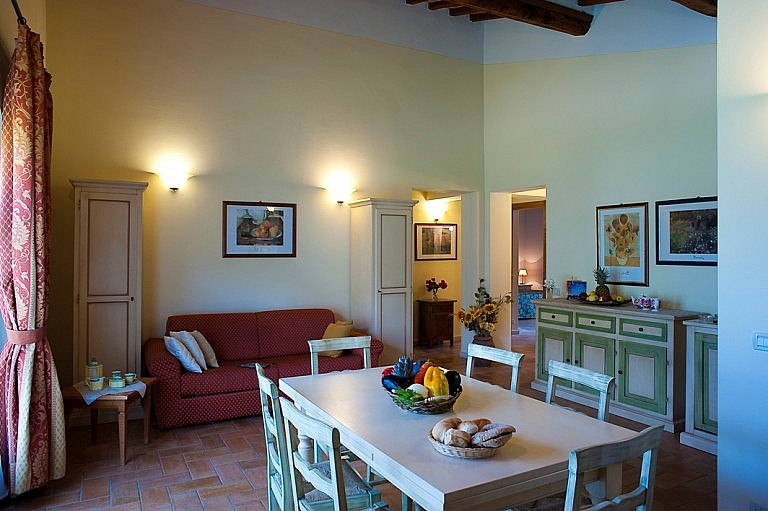 Large family apartments in country residence by Siena