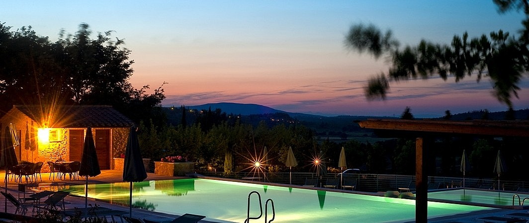 Pool in a scenic hill at an elegant coutry residence near Colle Valdelsa