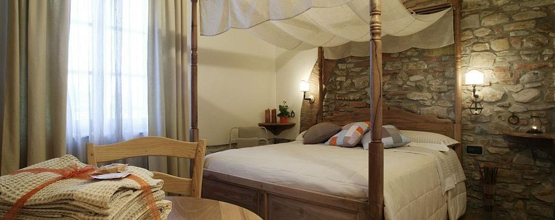 Elegant bedroom in luxury agriturismo in Suveret