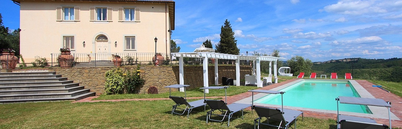 Large panoramic villa with pool between Florence and Siena