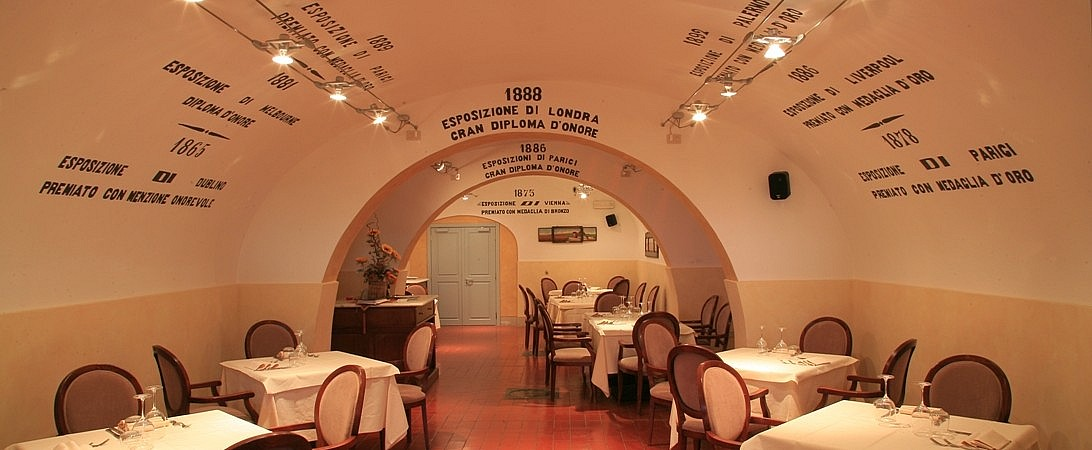 Historical restaurant in a rural resort with elegant accommodation