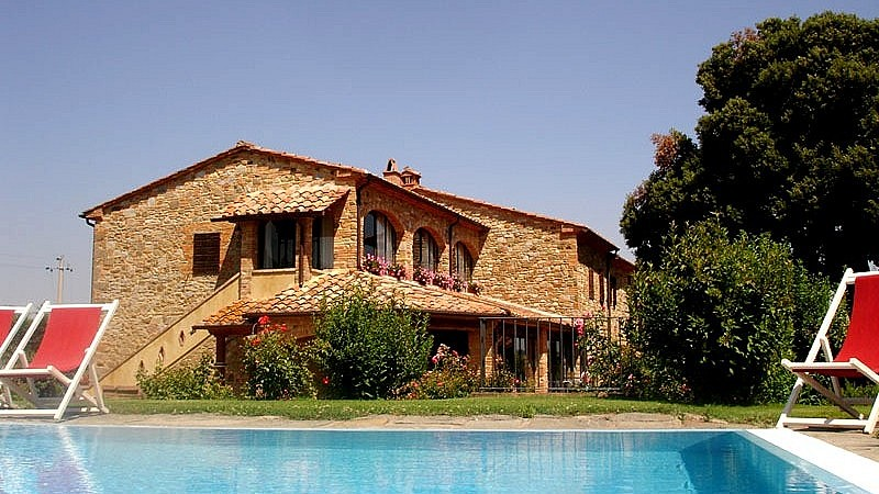 Pool & villa in the Tuscan countryside