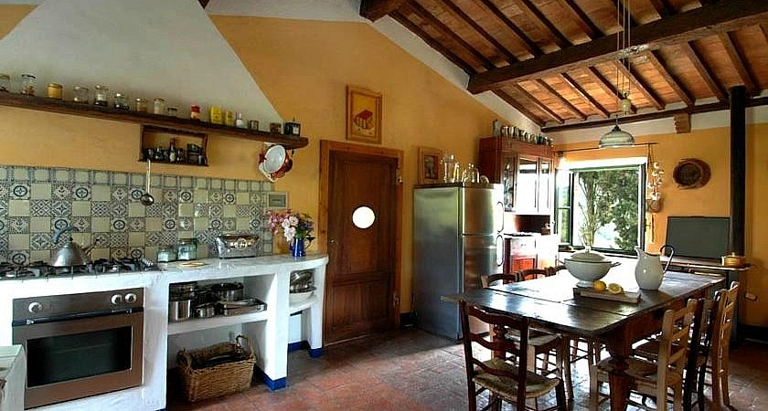 Kitchen of Tuscan cottage for holidays
